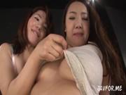 豊満おばさんが二人で暑苦しいrezuセックス動画像無料